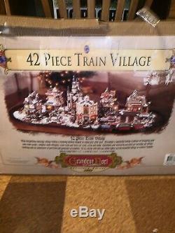 01 Grandeur Noel Collectors Edition 42 Piece Train Village Christmas Set READ