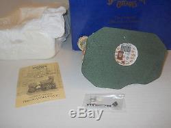 1994 David Winter Cottage The Original Miniature Cottages The Guardian Gate +Box