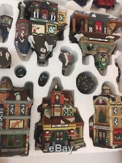 2001 Grandeur Noel Collector's Edition 42 Piece Train Village set complete withbox