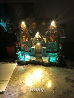 2018 Carole Towne RYKERs HUNTING LODGE Bear Lighted Musical Christmas Village