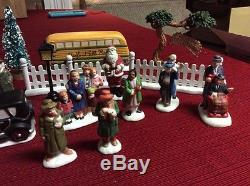 28pc It's A Wonderful Life Holiday Village Bedford Falls People Cars Bus & Trees
