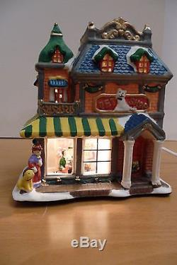 CHRISTMAS VILLAGE 16 PIECE CERAMIC WithLIGHTS GREAT DETAILED PIECES