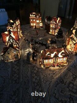 Christmas Grandeur Noel Victorian Village Lighted 1999 Vintage Houses Collector