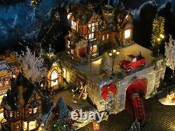 Christmas LIGHTED TRAIN TUNNEL Village Display platform Dept 56 Lemax snowy