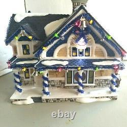 DEPT 56 Snow Village THE JINGLE BELLS HOUSE! Christmas Lane, Plays Jingle Bells