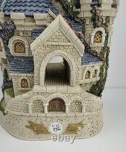 David Winter Cottages Guinevere's Castle Ltd Ed 2782/4300 COA Box
