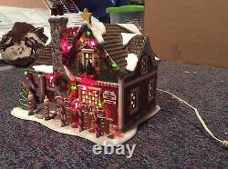 Department 56 Christmas Lane Gingerbread House Snow Village