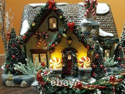 Dept 56 55350 The Peppermint House Candy Cane fence Christmas Lane Snow Village
