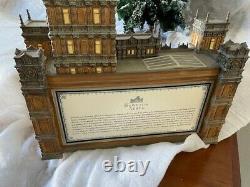 Dept 56 Downton Abbey Lit Porcelain House #4036506 Pre-owned