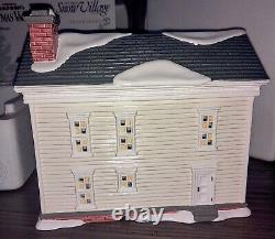 Dept 56 National Lampoons Christmas Vacation Boss Shirleys House. Retired. RARE