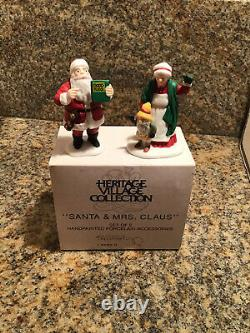 Dept 56 christmas in the city/Snow Village Lot Of 17 + Extras