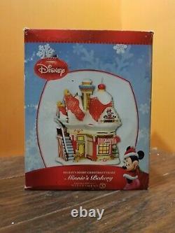 Disney Dept 56 Minnie's Bakery Gingerbread Shop Mickey Merry Christmas Village