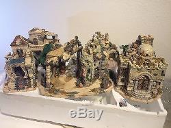 EUC Grandeur Noel 44 Piece Bethlehem Village Collector Edition Nativity 2003