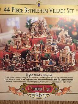 Grandeur Noel 44 Piece Bethlehem Village Collector Edition Nativity 2003