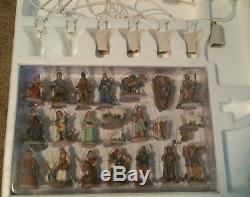 Grandeur Noel Christmas 44 Pcs Bethlehem Village Set 2002 Nib