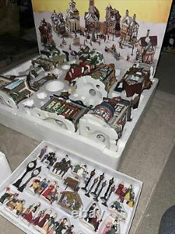 Grandeur Noel Porcelain 41 Piece Set VICTORIAN VILLAGE Collectors Edition & BOX