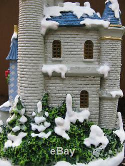 Hawthorne Village Hi Ho Holiday Cottage And Castle Sculpturesnew 2008