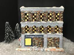 Its A Wonderful Life Enesco Christmas Village Bedford Falls Florist Shop! NIB