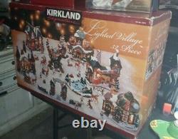 KIRKLAND Signature Lighted Christmas Village 32 Pieces