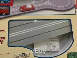 LEMAX Village CLASSIC CAR and ANIMATED ROAD TRACK SET New In Box