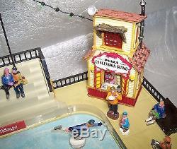 Lemax PARKSIDE ICE SKATING PLAZA Village Carole Dept 56 St Nicholas Mr RARE EX