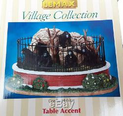 Lemax Village Collection Zoo Gorilla Habitat #03803 Retired 2010 Table Accent
