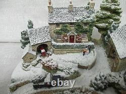 Lilliput Lane Country Christmas Snow Covered 2005 The British Collection L2858