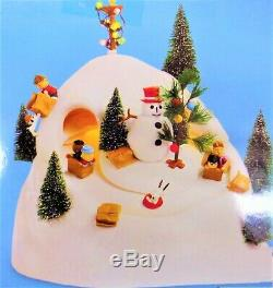 MINT RARE RETIRED, Dept 56, Peanuts Sledding Hill #59108, Animated Lighted