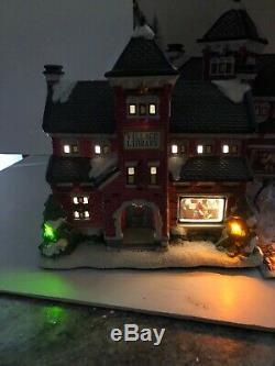 New SNS ST. NICHOLAS SQUARE Christmas VILLAGE Library Brick Tree Window Scene