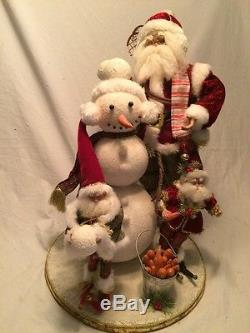 Rare Mark Roberts Santa Building A Snowman 51-75760
