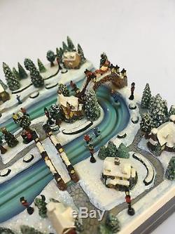 Thomas Kinkade Hawthorne Village Skating the River RARE Lighted Miniature Box