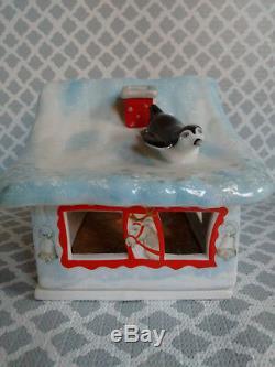 Villeroy & Boch Porcelain Nordpol Christmas SANTA'S REINDEER BARN Original Box