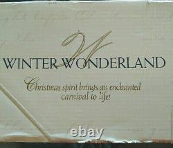 Vintage 1997 Trendmasters Winter Wonderland Christmas Skating Pond Moving Music