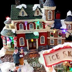 WINTER SKATING RINK & VILLAGE HOUSES with LED LIGHTING / ORIGINAL BOX / AS-IS